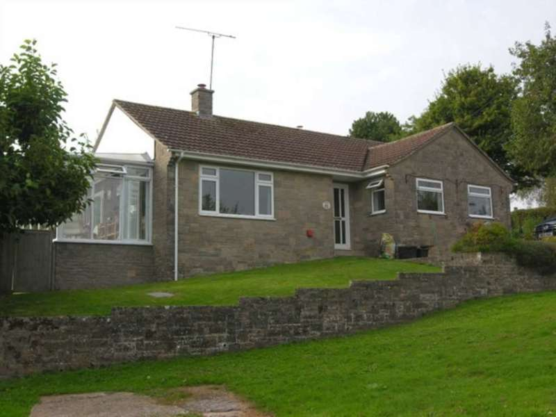 2 Bedrooms Bungalow for sale in The Lawns, Combe St Nicholas