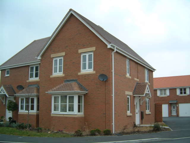 3 Bedrooms Detached House for rent in Dorney Road, Oakhurst, Swindon, Wiltshire, SN25 2AD