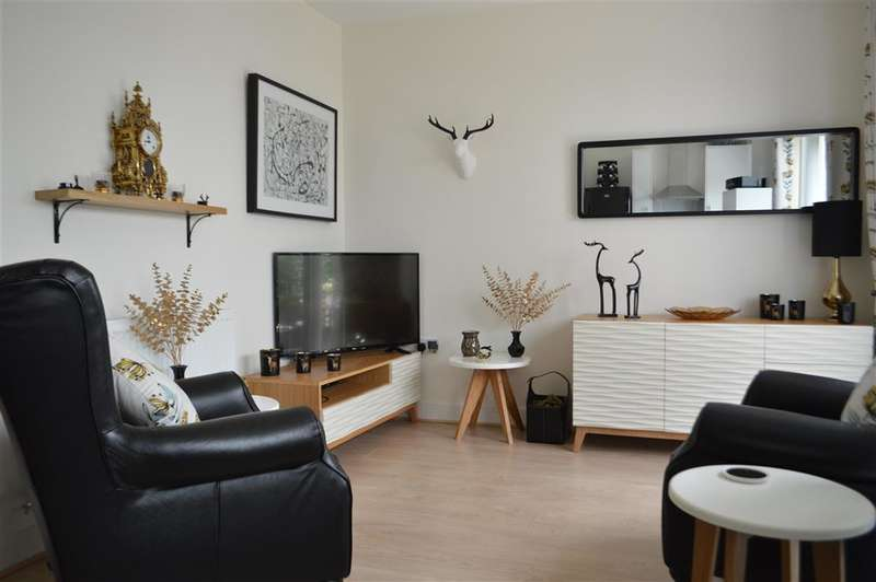 2 Bedrooms Bungalow for sale in Guildhall Street, , Folkestone, Kent