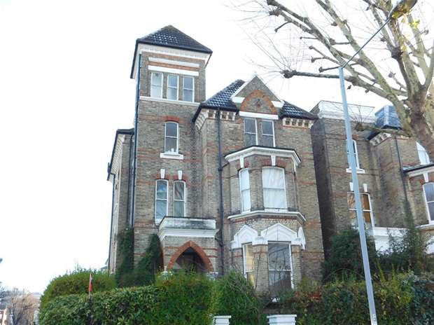 Flat for sale in Maple Road, Surbiton