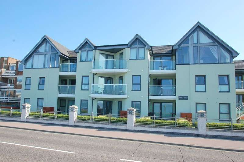 2 Bedrooms Penthouse Flat for sale in Marine Parade East, Lee-On-The-Solent