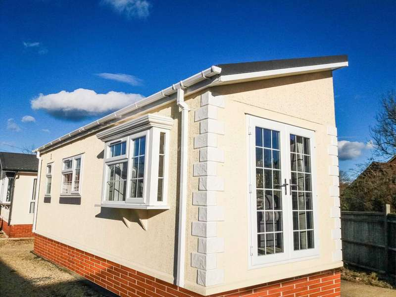 1 Bedroom Park Home Mobile Home for sale in Berry Lane, Blewbury, Oxfordshire