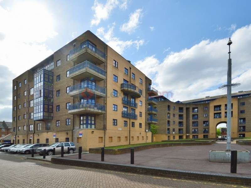 2 Bedrooms Flat for sale in Sherwood Gardens, Isle Of Dogs E14