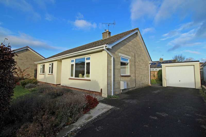 3 Bedrooms Detached Bungalow for sale in Barn Close, Frome