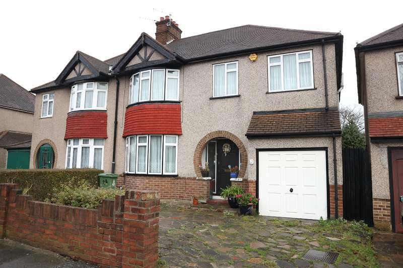 3 Bedrooms Semi Detached House for sale in Rydal Drive, Bexleyheath, Kent, DA7 5EE