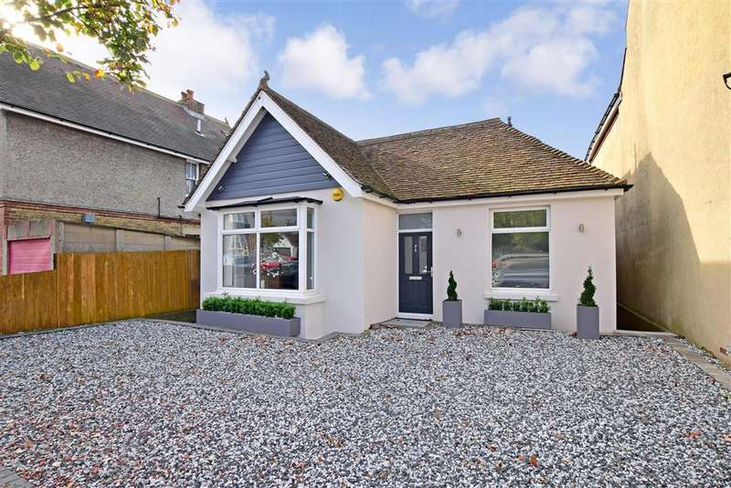 3 Bedrooms Detached Bungalow for sale in Curzon Road, , Maidstone, Kent