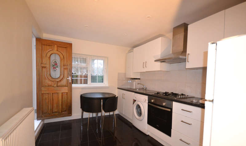 2 Bedrooms Cottage House for rent in Windmill Lane