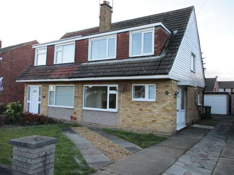 3 Bedrooms Semi Detached House for rent in Cleve Way, Formby, L37 8BS