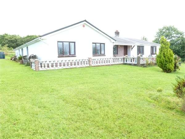 5 Bedrooms Detached Bungalow for sale in Glynhir Road, Llandybie, Ammanford, Carmarthenshire