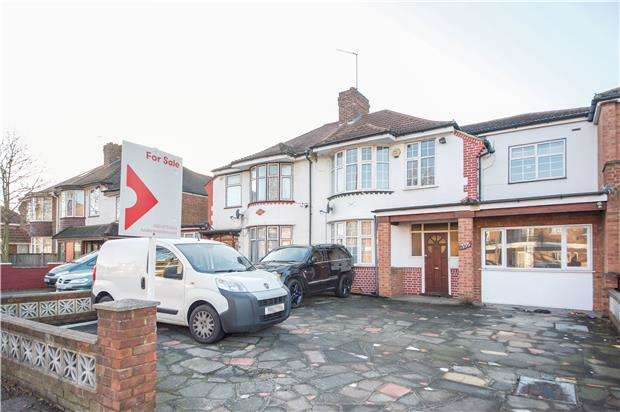 4 Bedrooms Semi Detached House for sale in Church Lane, KINGSBURY, NW9 8JD