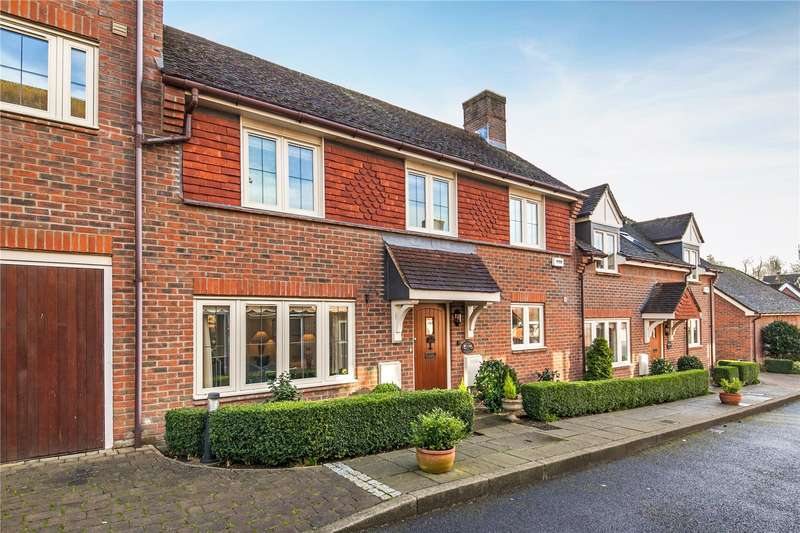 3 Bedrooms Terraced House for sale in Orchard Dean, Alresford, Hampshire, SO24
