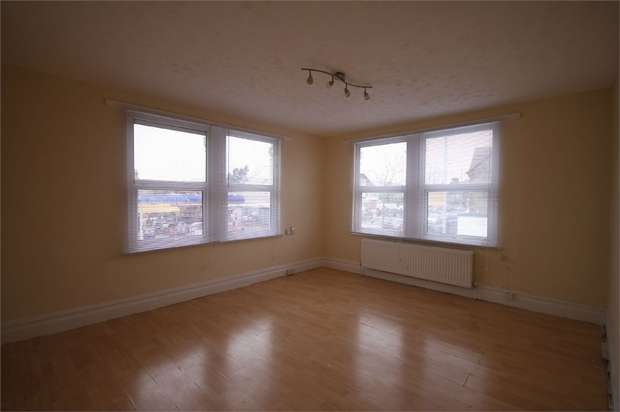 2 Bedrooms Flat for rent in Chingford Mount Road, Chingford, LONDON