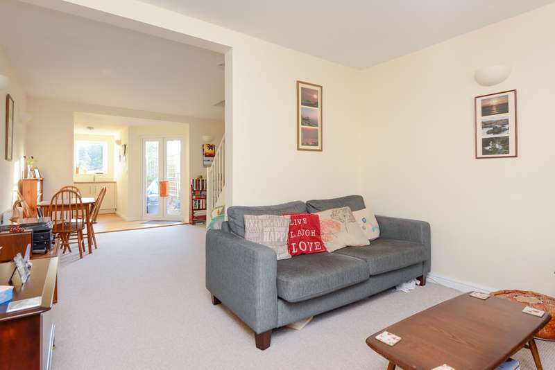 2 Bedrooms Terraced House for sale in Hackington Road, Tyler Hill, CT2