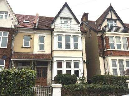 3 Bedrooms Maisonette Flat for sale in Westcliff-On-Sea, Essex