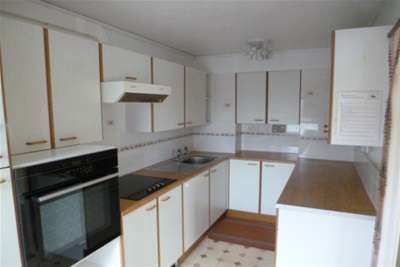 2 Bedrooms Flat for rent in Park House St Austell