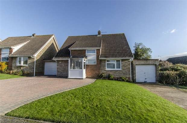 3 Bedrooms Detached House for sale in Hartley Road, Bishopstoke, EASTLEIGH, Hampshire