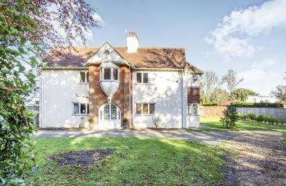 6 Bedrooms Link Detached House for sale in Highcliffe -On- Sea, Christchurch, Dorset