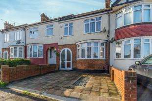 3 Bedrooms Terraced House for sale in Haig Avenue, Rochester, Kent