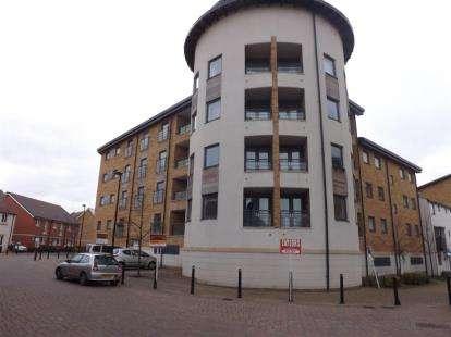2 Bedrooms Flat for sale in Tuke Walk, Old Town, Swindon