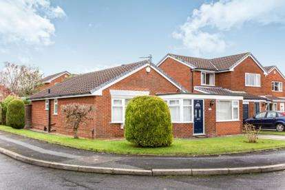 3 Bedrooms Bungalow for sale in Daisy Hall Drive, Westhoughton, Bolton, Greater Manchester, BL5