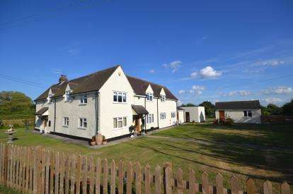 5 Bedrooms Detached House for sale in Maldon Road, Bradwell On Sea, Essex
