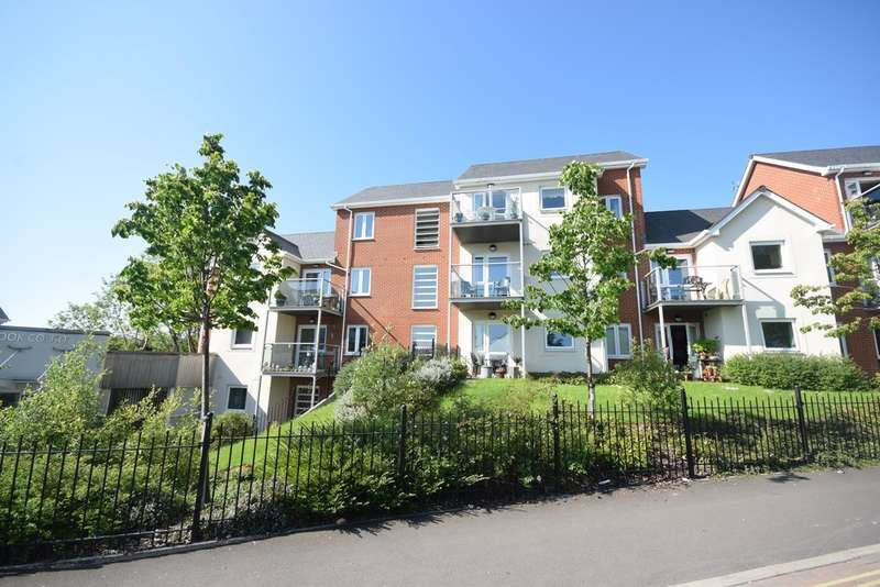 1 Bedroom Flat for sale in Foxes Road, Newport