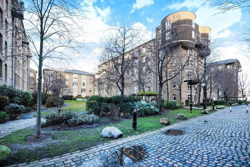 2 Bedrooms Flat for sale in Park Central, Bow Quarter