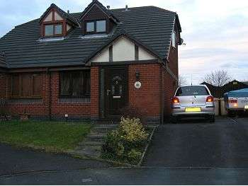 2 Bedrooms Semi Detached House for rent in Sevenoaks Drive, Great Lever, Bolton