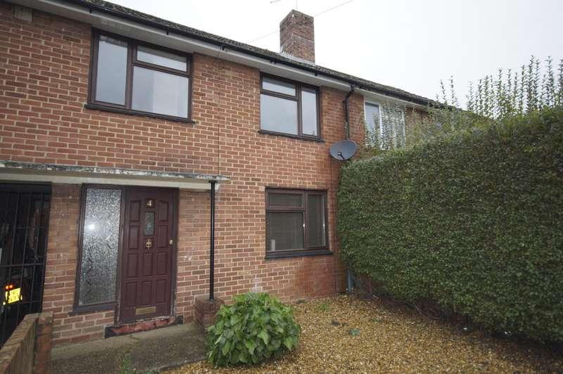 3 Bedrooms Terraced House for rent in Lockerley Road, Havant