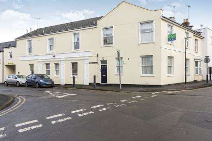 1 Bedroom Flat for sale in Grafton Court, Norwood Road, Cheltenham, Gloucestershire