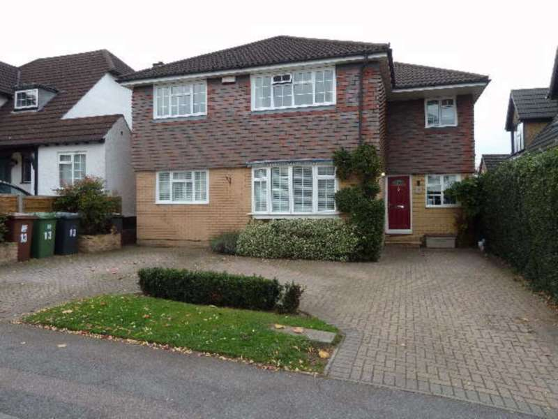4 Bedrooms Detached House for rent in Bournehall Lane, Bushey