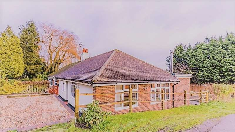 3 Bedrooms Bungalow for sale in Firmingers Road, Orpington, Kent, BR6