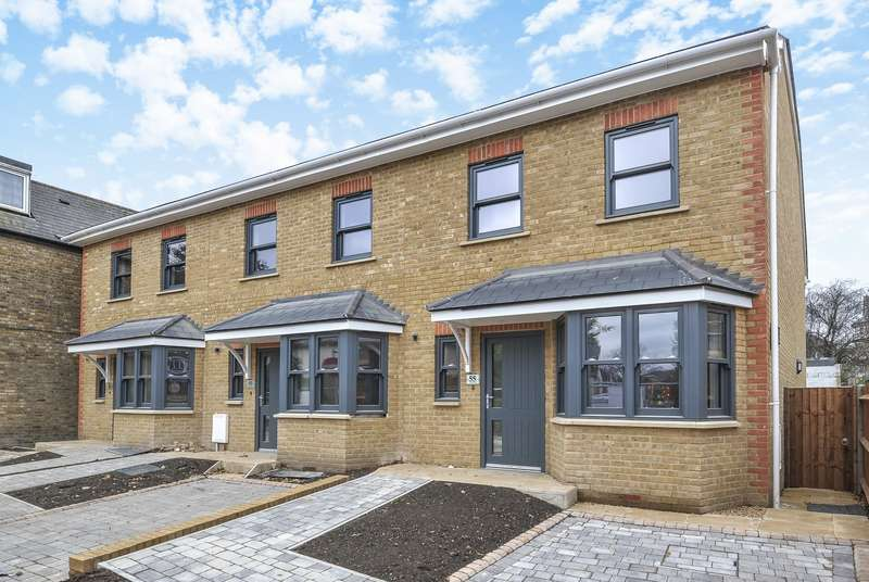 4 Bedrooms Semi Detached House for sale in Albert Road, Kingston