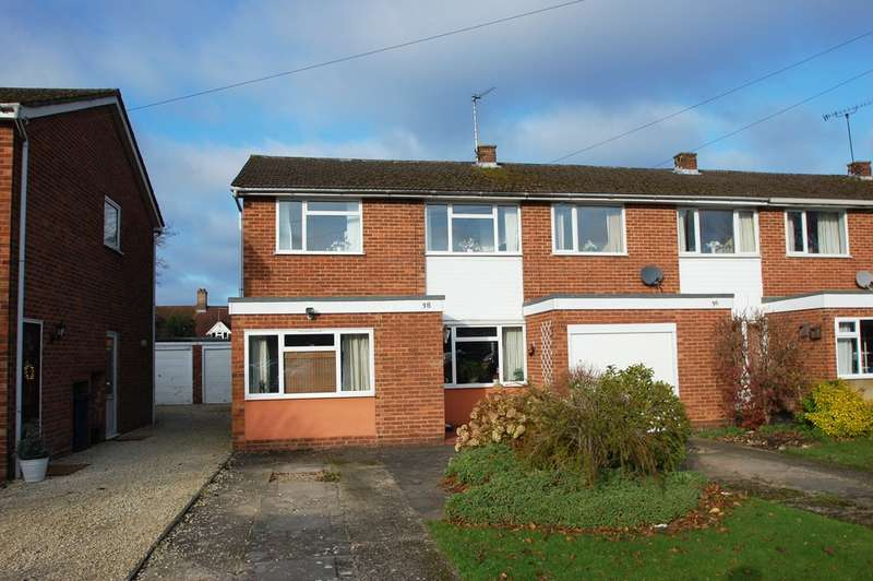 3 Bedrooms Terraced House for sale in Fleetwood Close, Chalfont St Giles, HP8