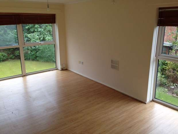 2 Bedrooms Flat for rent in Middleton Hall Road, BIRMINGHAM, West Midlands
