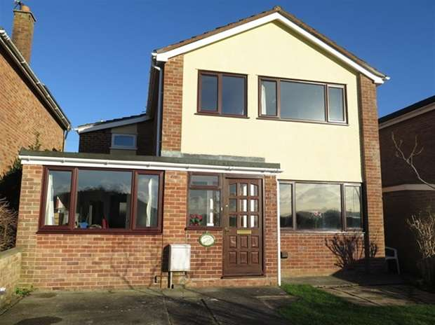 4 Bedrooms Detached House for sale in Stillington Close, Wells