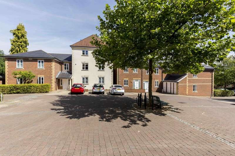 2 Bedrooms Flat for sale in Winchester, Winchester, Hampshire, SO22