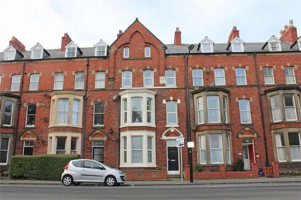7 Bedrooms Terraced House for sale in Langdale Terrace, Whitby, North Yorkshire