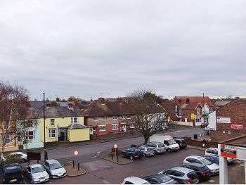 1 Bedroom Flat for sale in Wick, Littlehampton, BN17 7