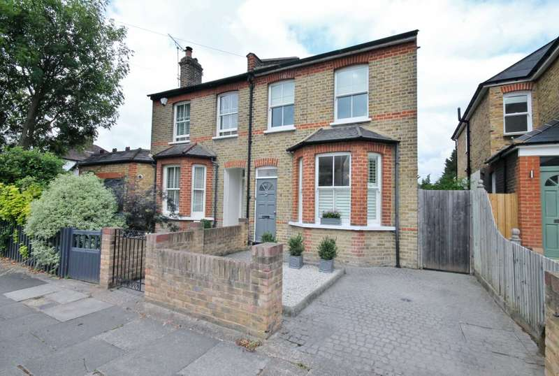 3 Bedrooms Semi Detached House for sale in Avenue Road, New Malden