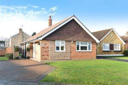 2 Bedrooms Detached Bungalow for sale in Ferndale Way, Farnborough Village, Kent