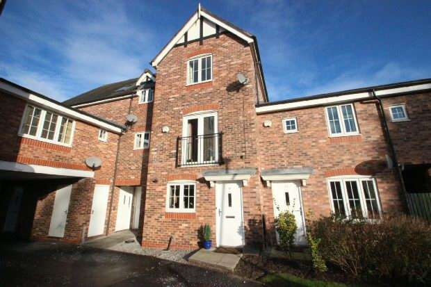 4 Bedrooms Town House for sale in Welldale Mews, Sale