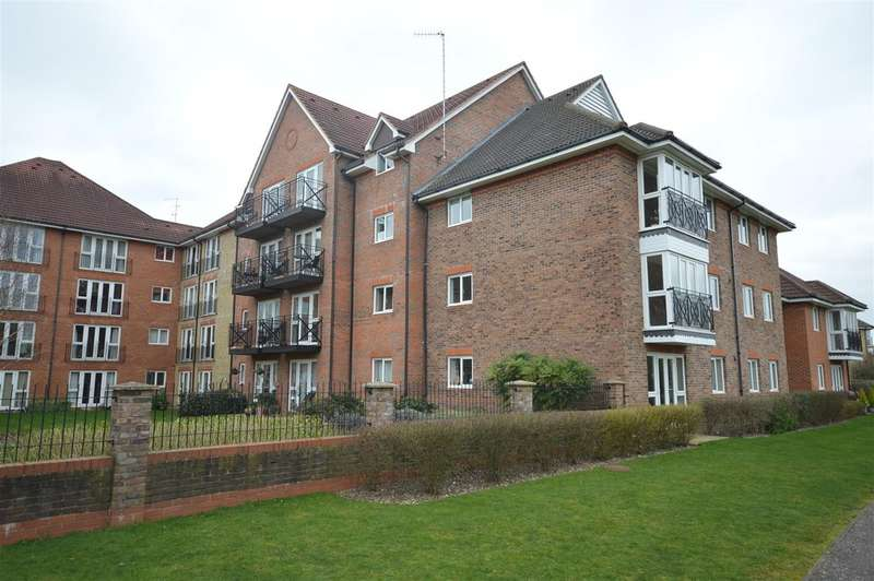 2 Bedrooms Flat for rent in Crane Mead