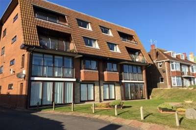 2 Bedrooms Flat for rent in FANTASTIC SEA VIEWS - WEYMOUTH