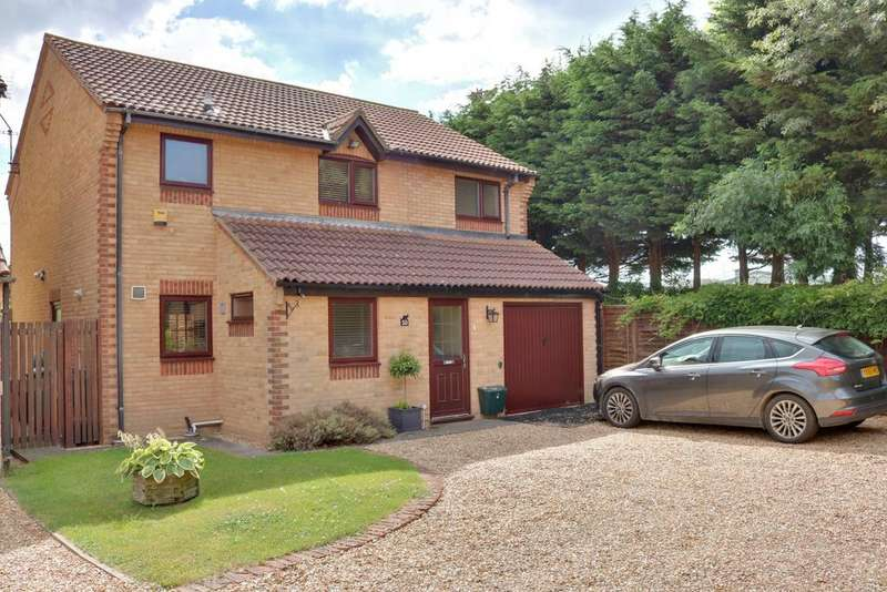 4 Bedrooms Detached House for sale in Corby Crescent, Anchorage Park, Portsmouth