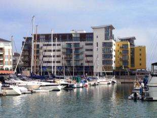 2 Bedrooms Flat for sale in Rapala Court, Midway Quay, Eastbourne, East Sussex