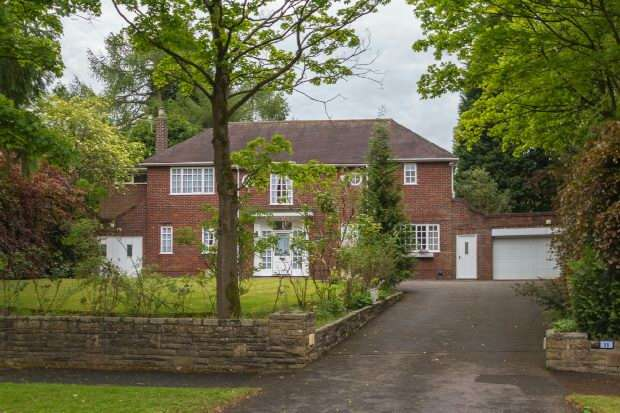 4 Bedrooms Detached House for rent in Carrwood, Hale Barns