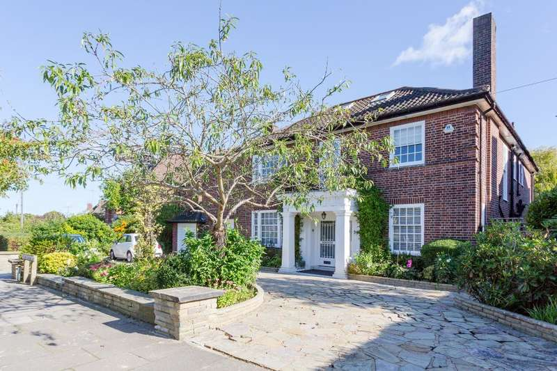 5 Bedrooms Detached House for sale in Holne Chase. Hampstead Garden Suburb, N2
