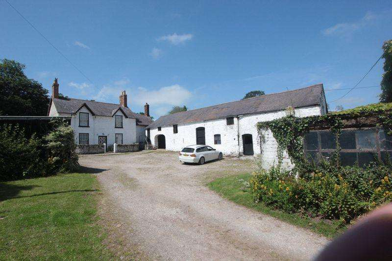 3 Bedrooms Cottage House for sale in The Green, Denbigh