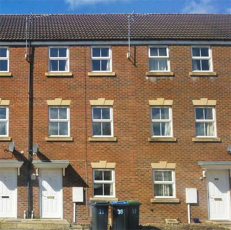 3 Bedrooms Terraced House for rent in Fount Court, MARKET HARBOROUGH, Leicestershire